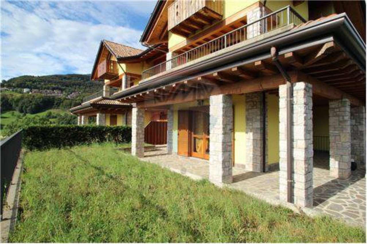 Appartamento in buone condizioni arredato in vendita Rif. 7062442