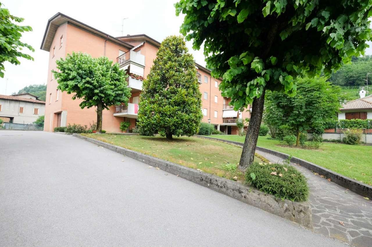 Appartamento in vendita a Pontida, 4 locali, prezzo € 67.000 | CambioCasa.it