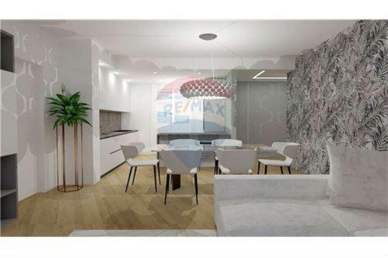 Appartamento in buone condizioni in vendita Rif. 7086644