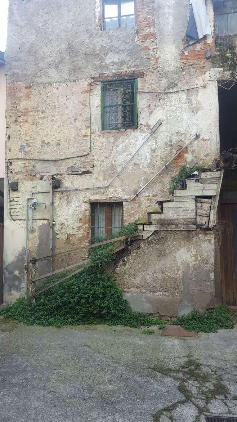 Rustico / Casale in vendita a Pontirolo Nuovo, 4 locali, prezzo € 20.000 | CambioCasa.it