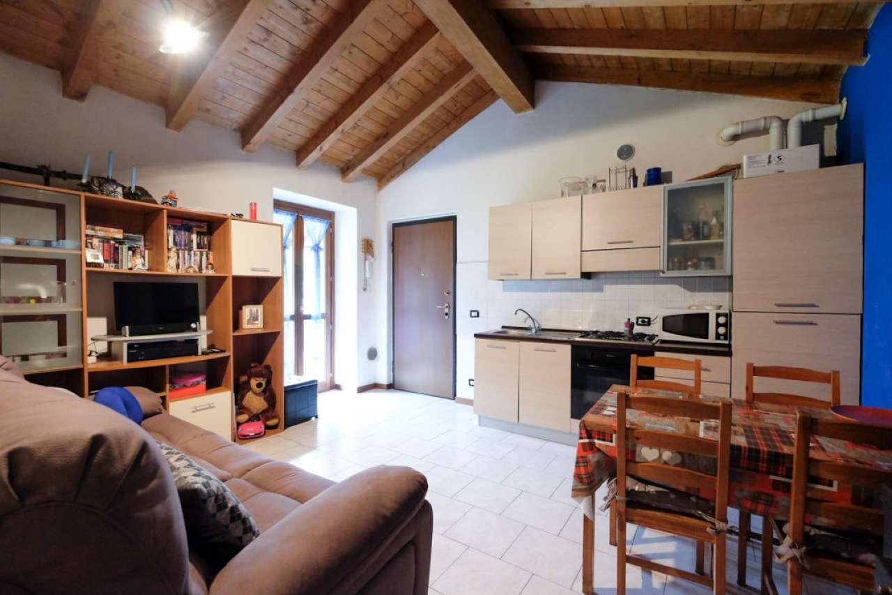 Appartamento parzialmente arredato in vendita Rif. 7284885