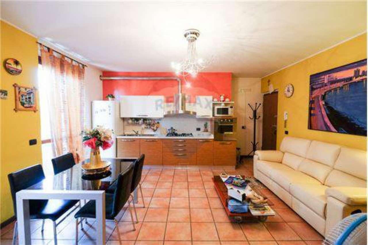 Appartamento in buone condizioni in vendita Rif. 7365095