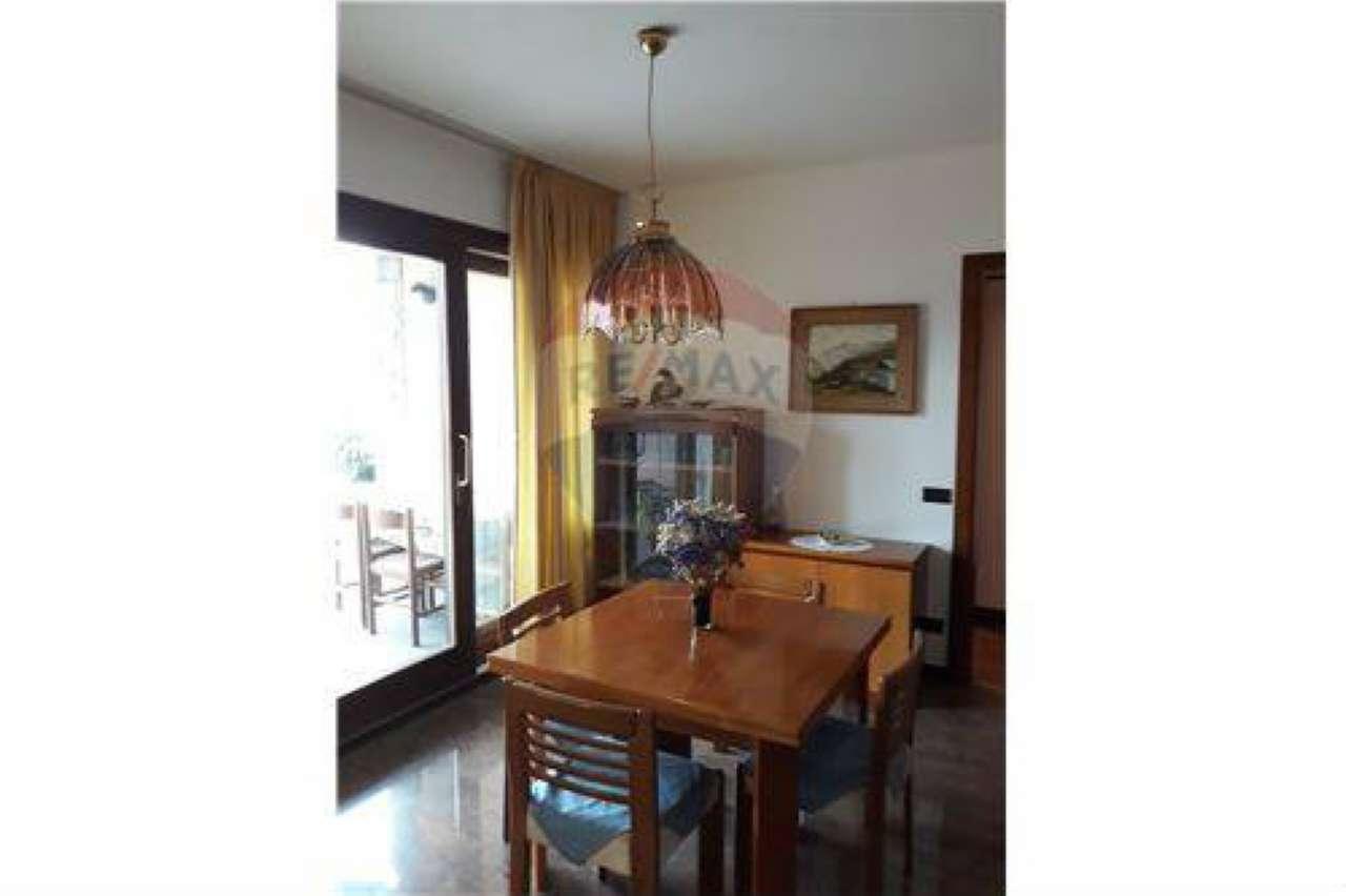 Appartamento in affitto a Castro, 2 locali, prezzo € 450 | CambioCasa.it