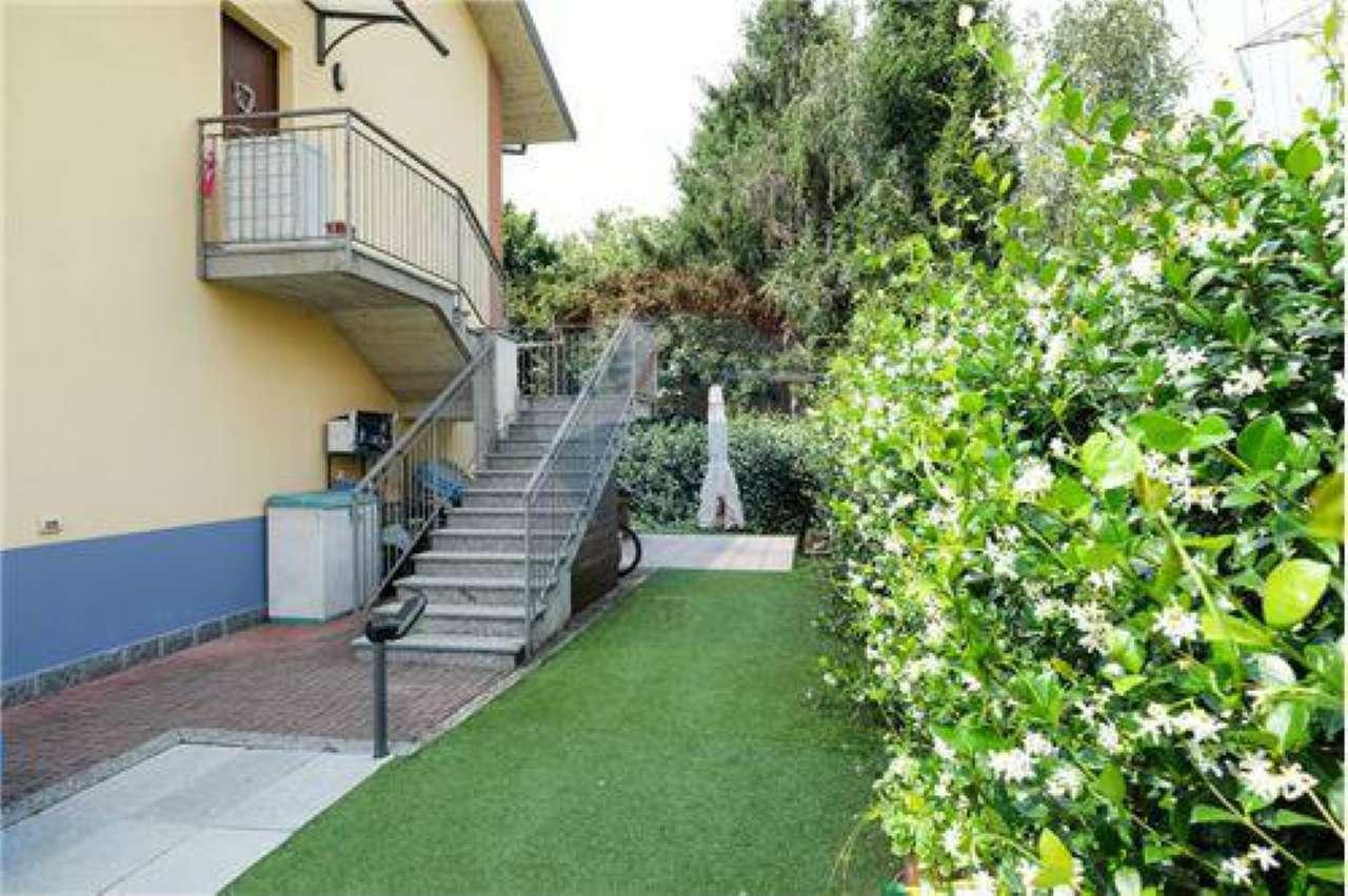 Grazioso 4 locali in villa con giardino