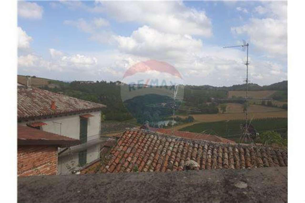 Rustico / Casale in vendita a Ozzano Monferrato, 12 locali, prezzo € 220.000   CambioCasa.it