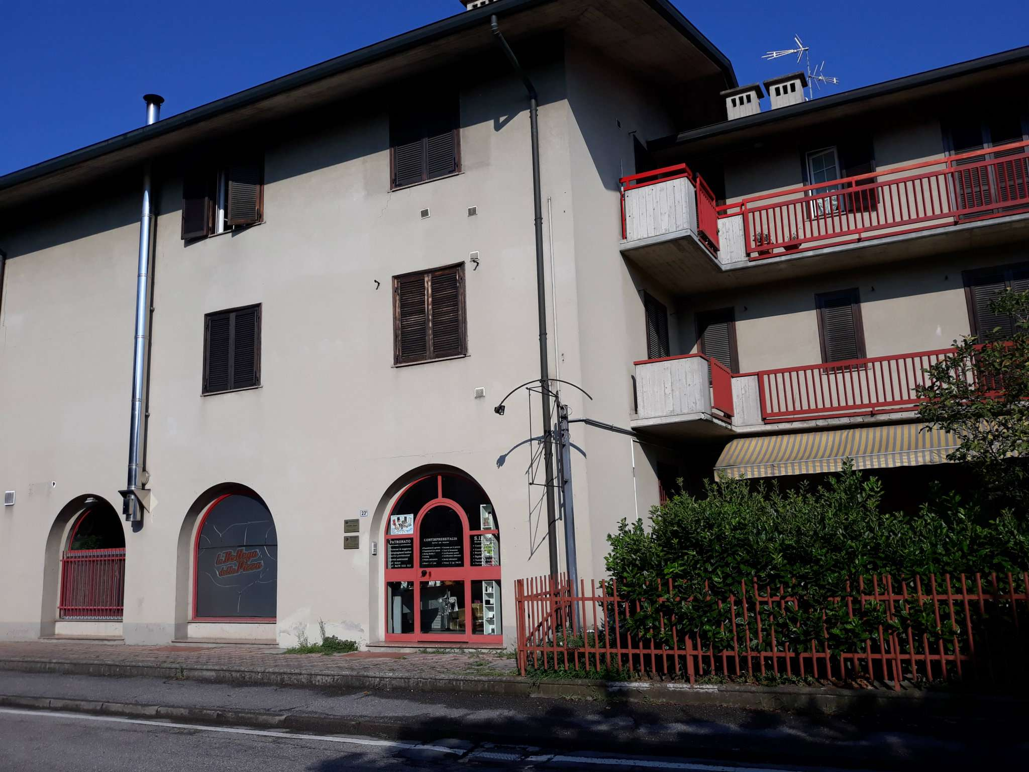 Ufficio / Studio in vendita a Osio Sotto, 3 locali, prezzo € 75.000   CambioCasa.it