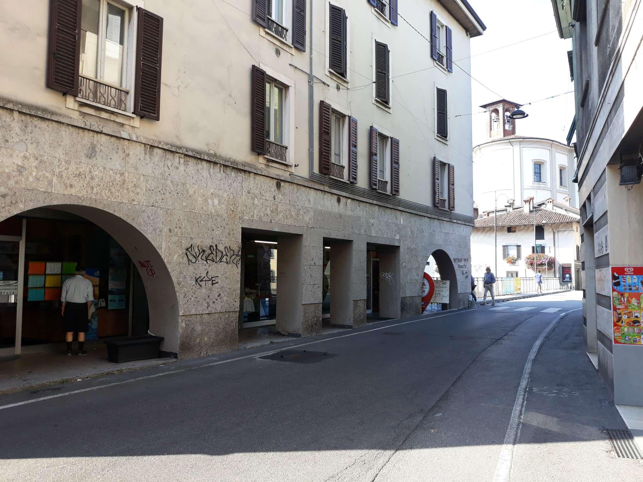 Negozio / Locale in affitto a Ponte San Pietro, 9999 locali, prezzo € 580 | CambioCasa.it