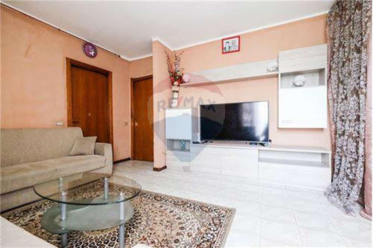 Appartamento in buone condizioni in vendita Rif. 7578417