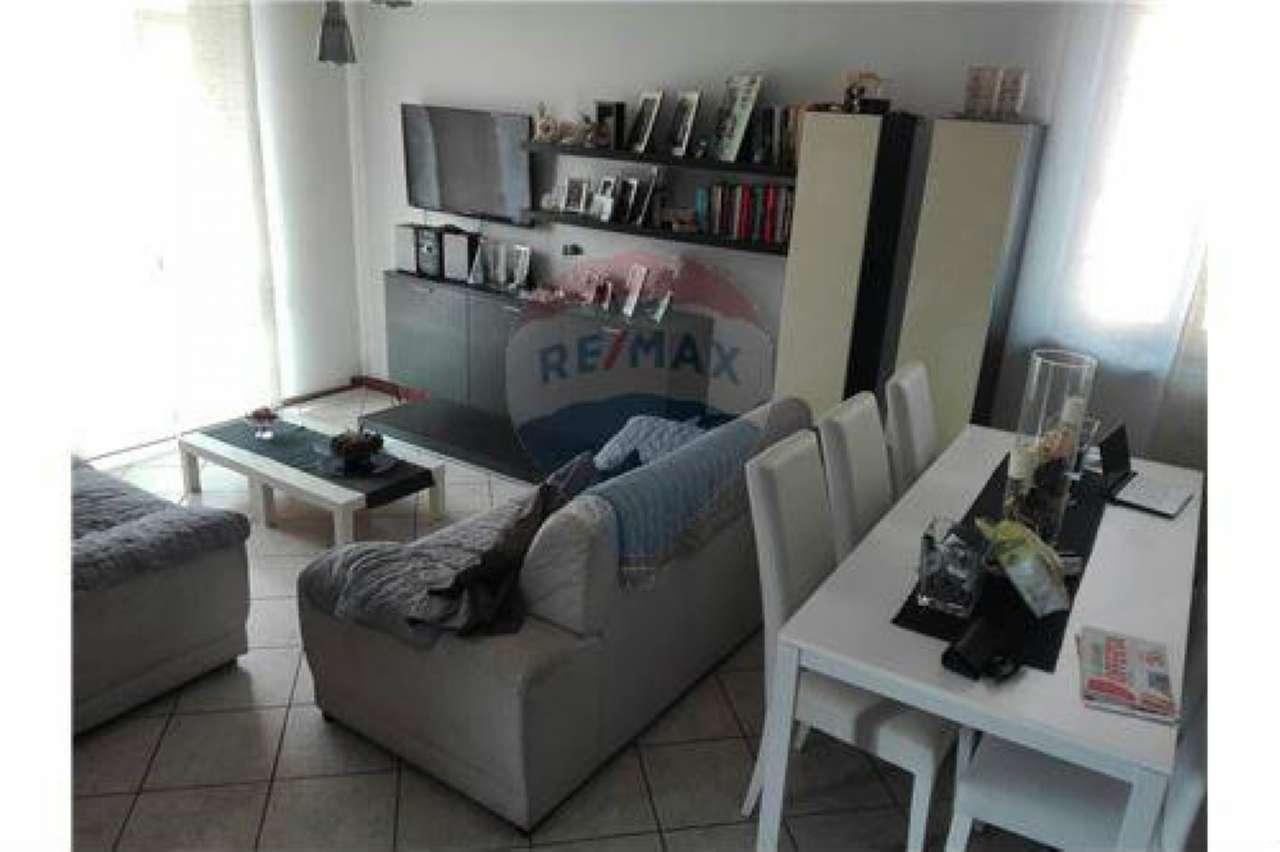 Appartamento in buone condizioni in vendita Rif. 7578418