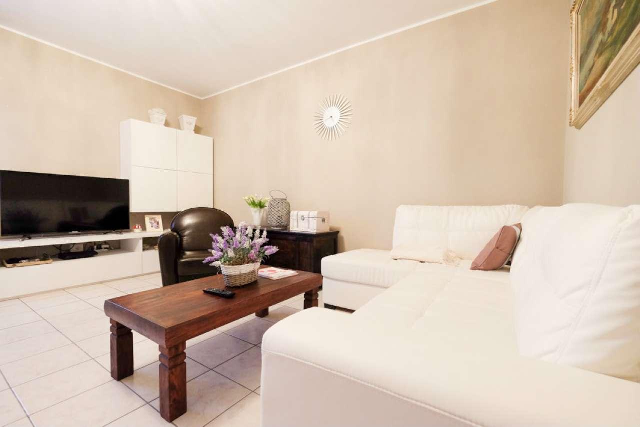 Appartamento in buone condizioni arredato in vendita Rif. 8964678