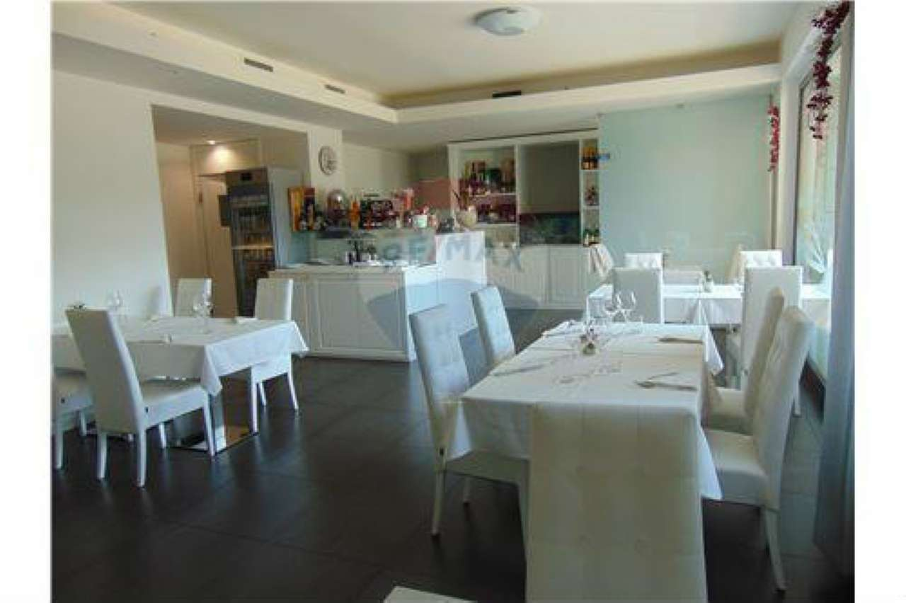 Ristorante / Pizzeria / Trattoria in vendita a Mozzo, 3 locali, prezzo € 195.000 | CambioCasa.it