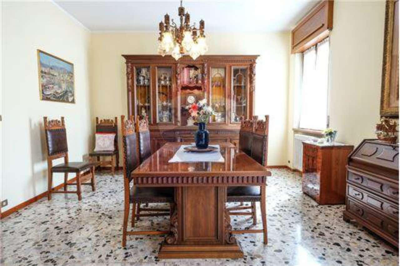 Appartamento in buone condizioni in vendita Rif. 7813634