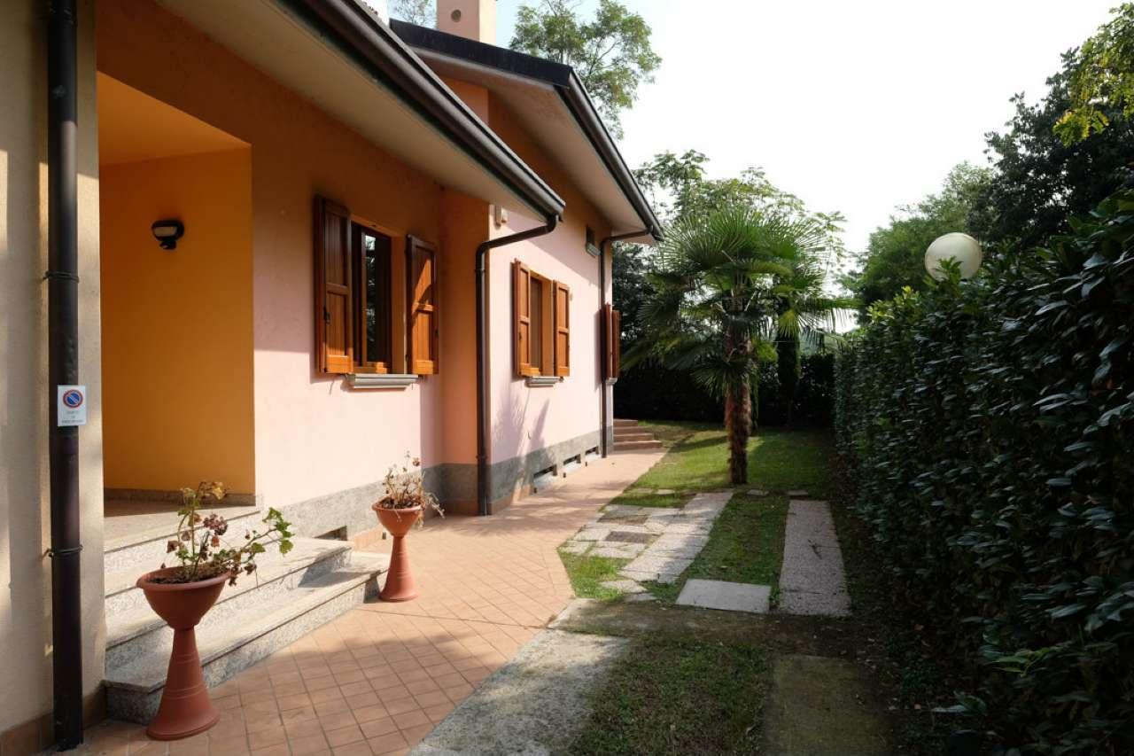 Appartamento in vendita a Curno, 4 locali, prezzo € 199.000   CambioCasa.it