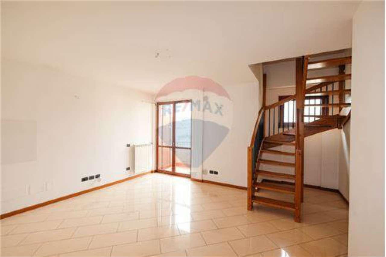 Appartamento in vendita a Bonate Sotto, 4 locali, prezzo € 130.000 | PortaleAgenzieImmobiliari.it