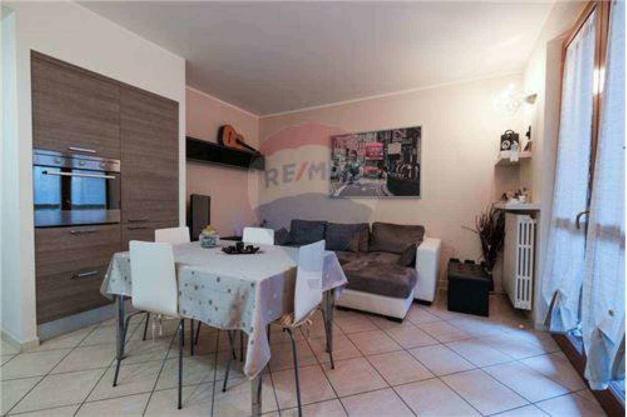 Appartamento in vendita a Brembate di Sopra, 3 locali, prezzo € 159.000 | CambioCasa.it