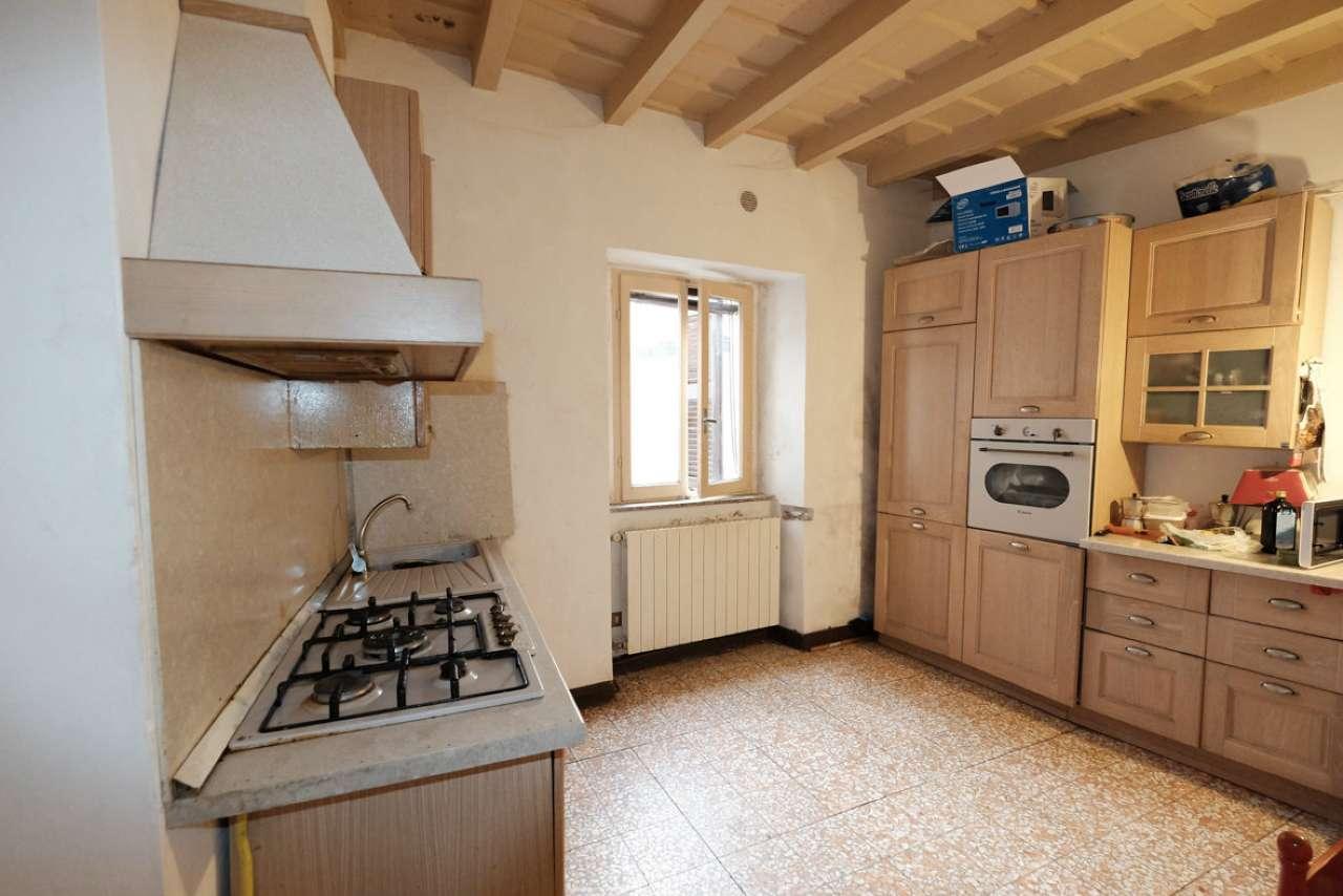 Appartamento in vendita a Caprino Bergamasco, 3 locali, prezzo € 63.000 | CambioCasa.it