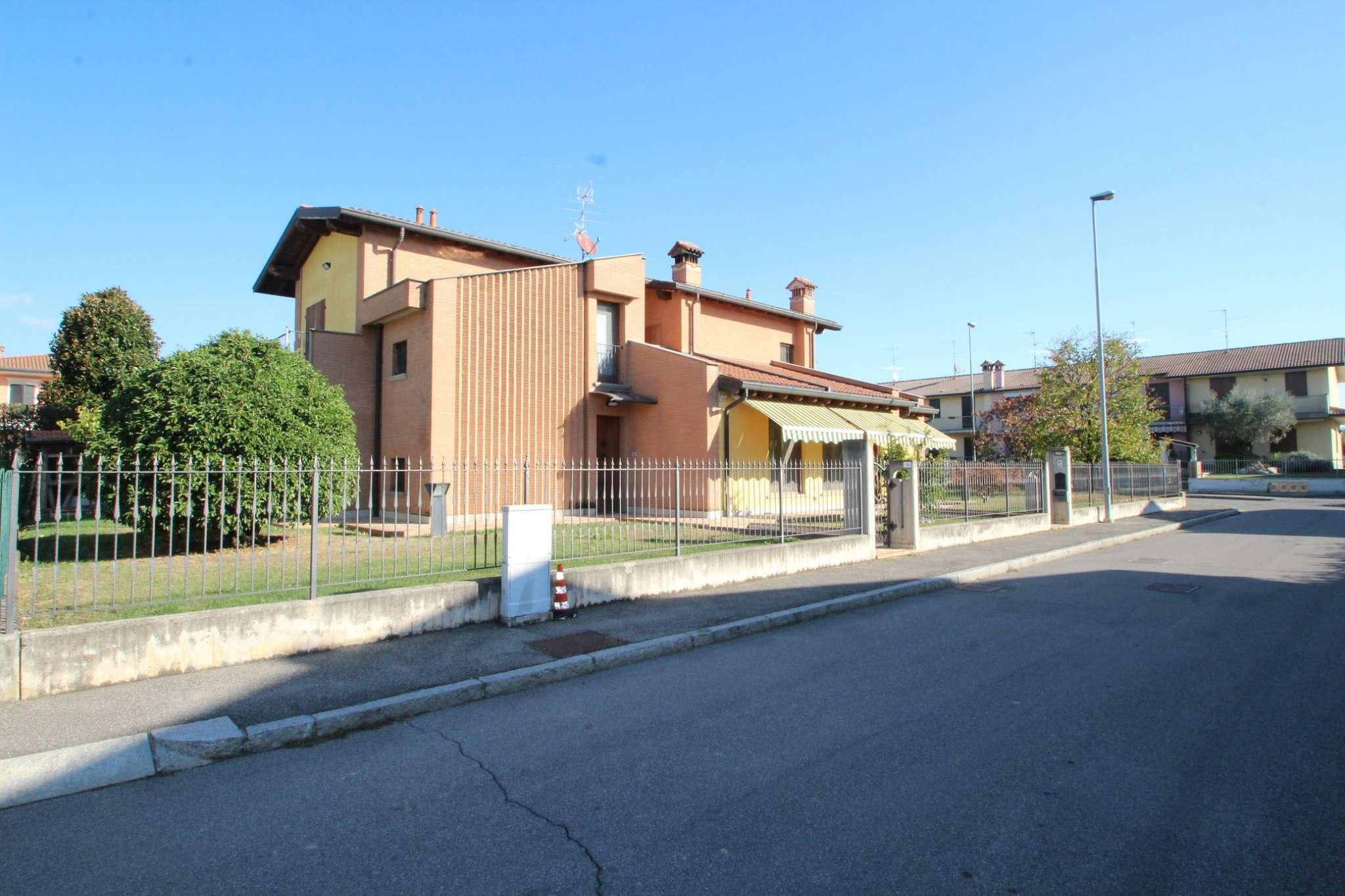 Villa in vendita a Verdello, 7 locali, prezzo € 500.000   PortaleAgenzieImmobiliari.it