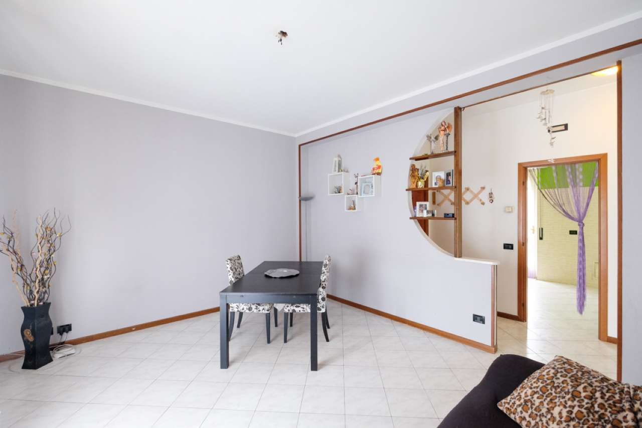 Appartamento in vendita a Cologno al Serio, 3 locali, prezzo € 75.000 | CambioCasa.it