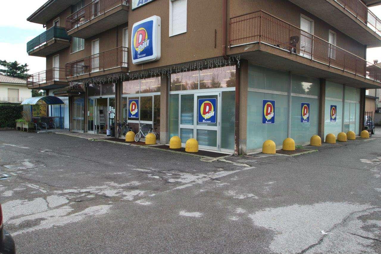 Negozio / Locale in affitto a Terno d'Isola, 1 locali, prezzo € 2.500 | CambioCasa.it