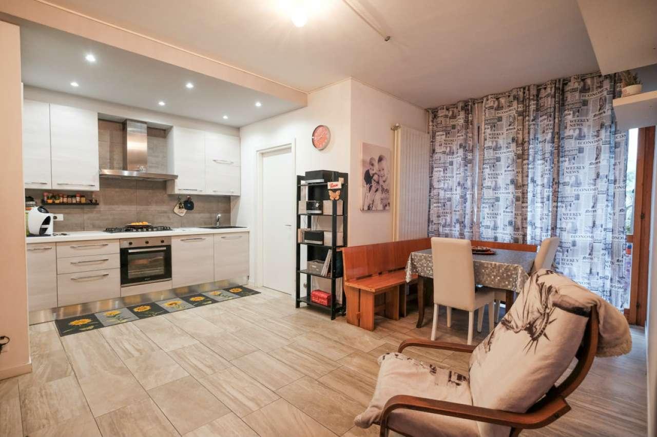 Appartamento in vendita a Caprino Bergamasco, 3 locali, prezzo € 73.000 | CambioCasa.it
