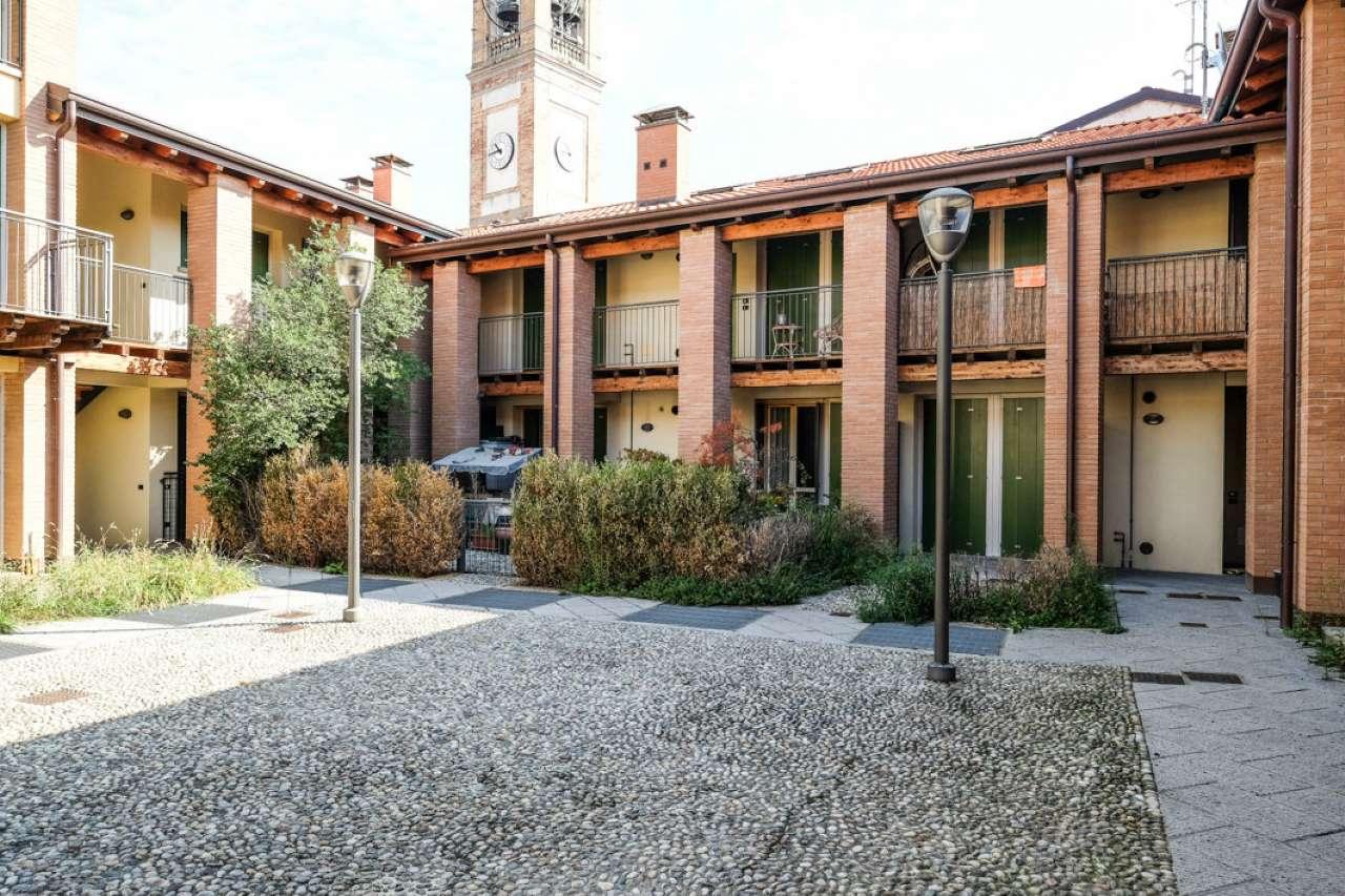 Appartamento in buone condizioni in vendita Rif. 8721109