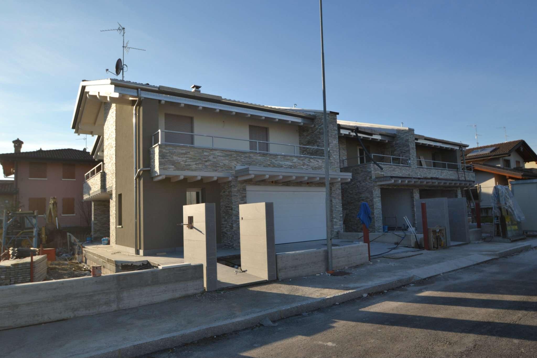 Villa in vendita a Brembate di Sopra, 4 locali, prezzo € 348.000 | CambioCasa.it