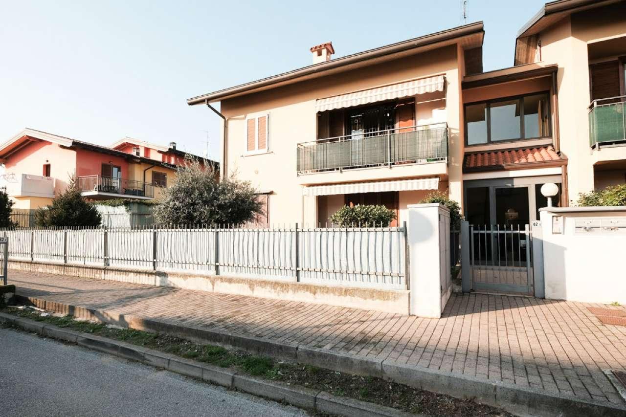 Appartamento in vendita a Bonate Sotto, 4 locali, prezzo € 135.000 | PortaleAgenzieImmobiliari.it
