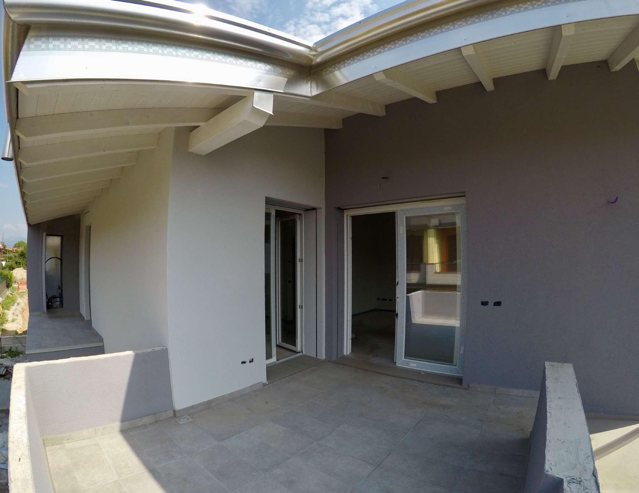 Duplex di nuova costruzione con terrazzo