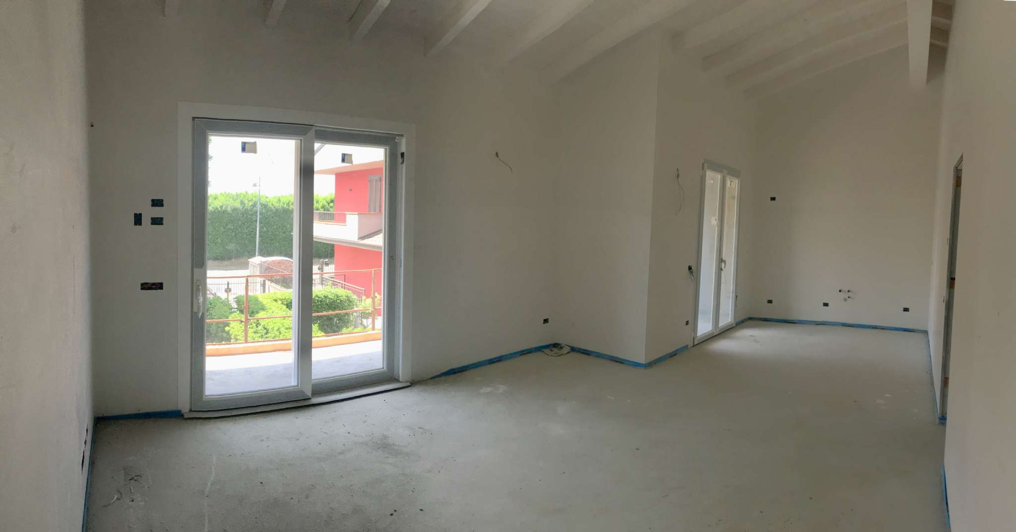Nuovo trilocale in villa con terrazzo