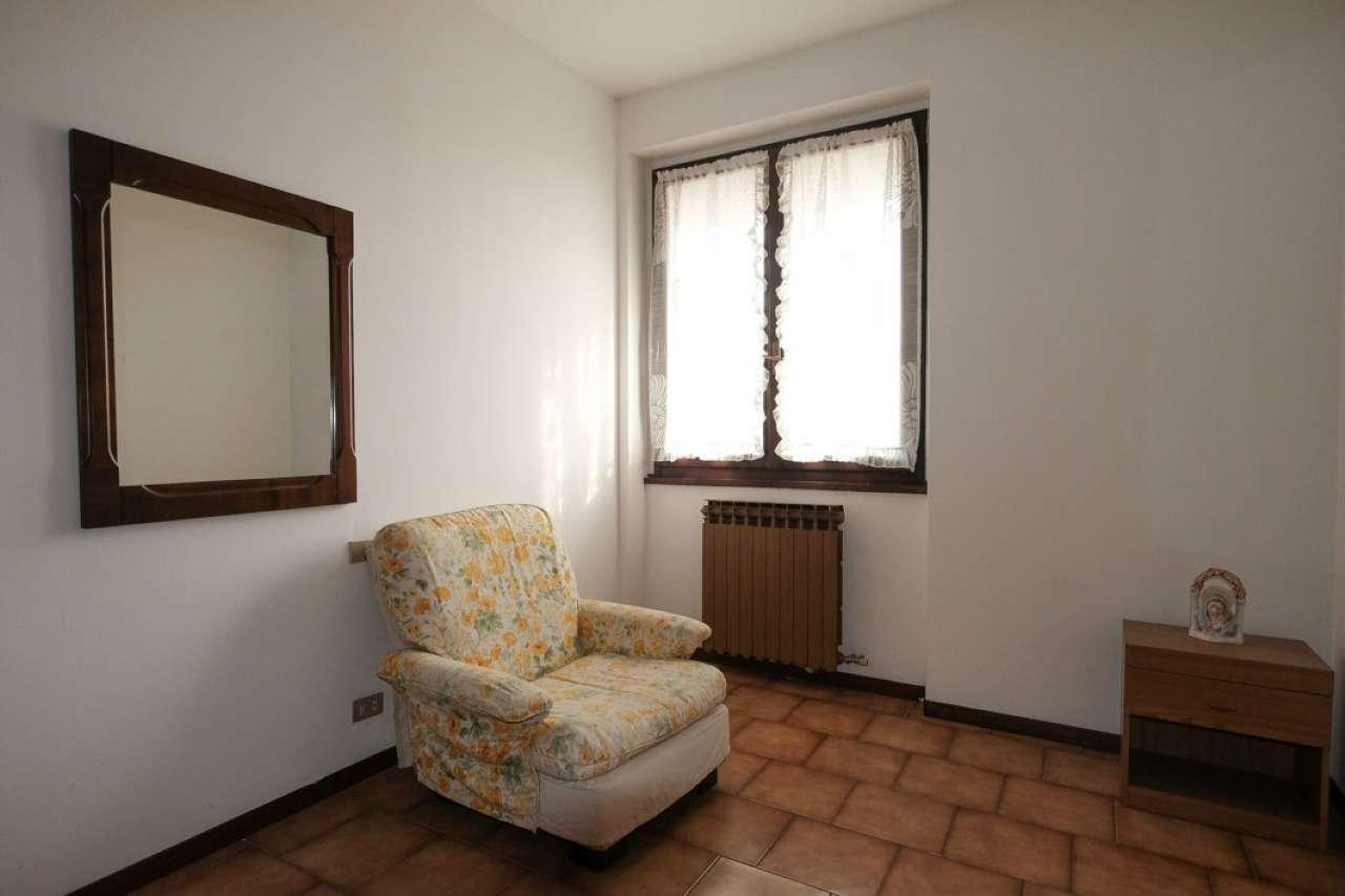 Appartamento in buone condizioni in vendita Rif. 8779035