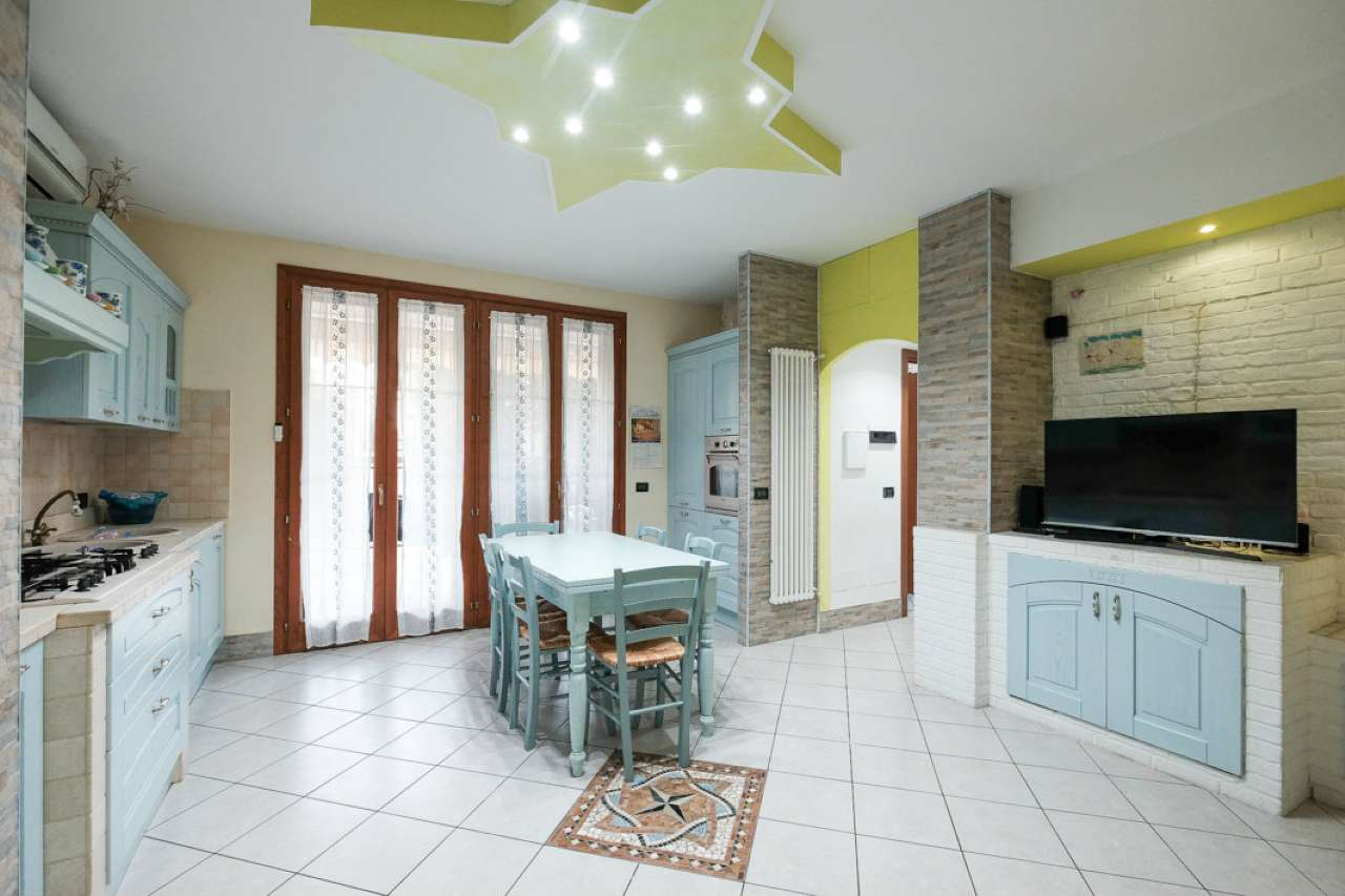 Appartamento in vendita Rif. 8819245