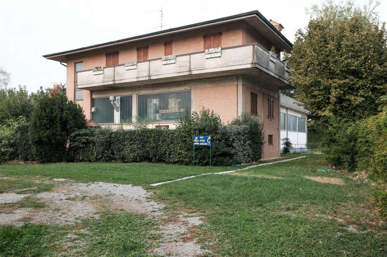Capannone in vendita a Bonate Sopra, 9999 locali, prezzo € 450.000 | CambioCasa.it
