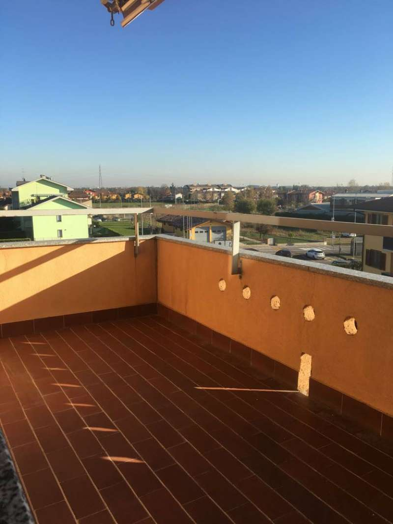 Appartamento in vendita a Bonate Sotto, 3 locali, prezzo € 99.000 | PortaleAgenzieImmobiliari.it