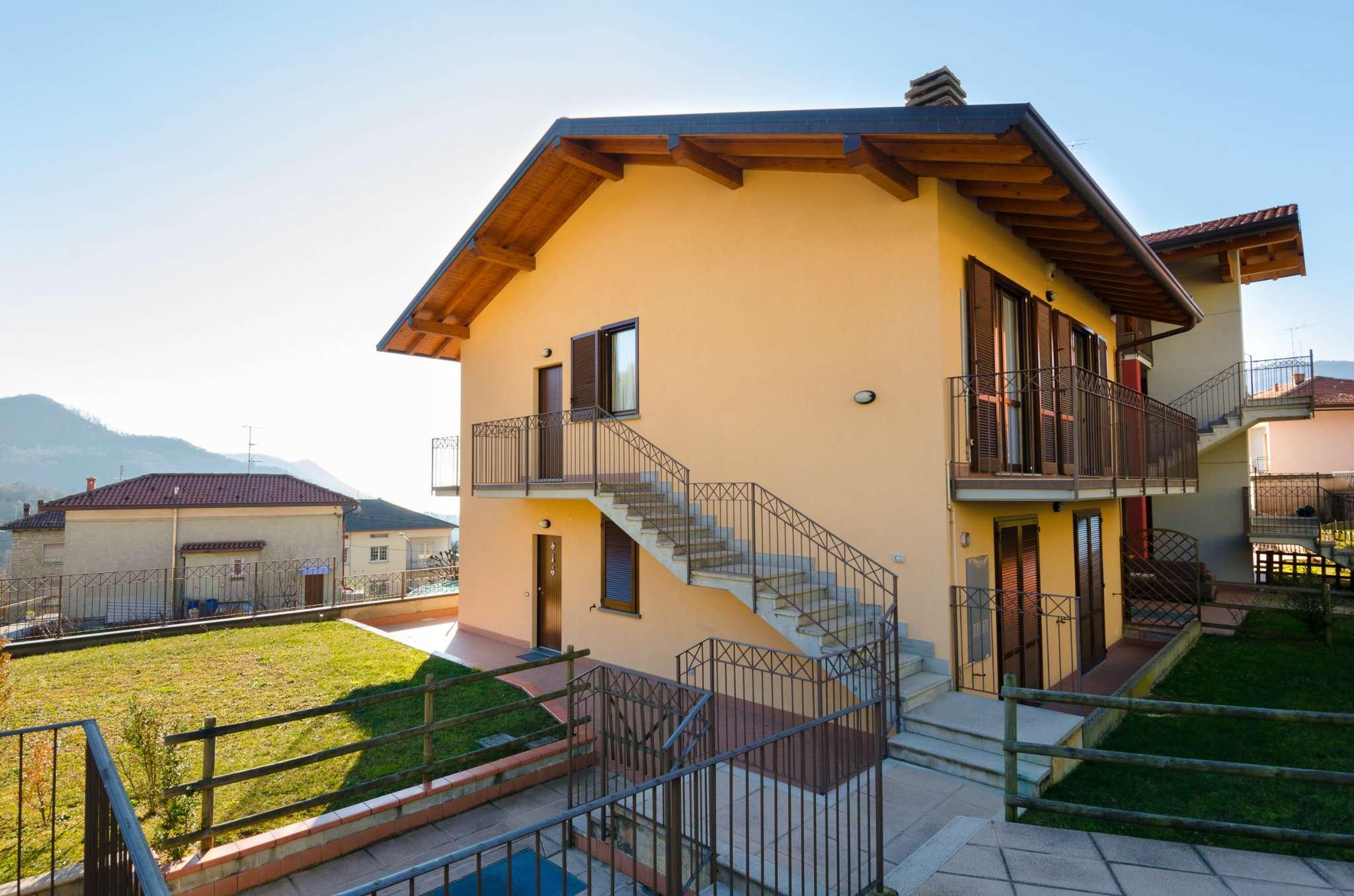 Appartamento in buone condizioni in vendita Rif. 9088047