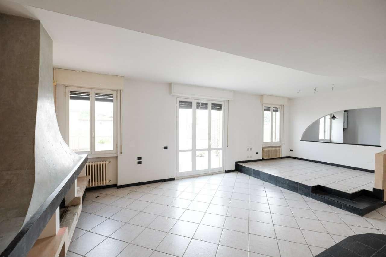 Appartamento in vendita a Trezzo sull'Adda, 4 locali, prezzo € 165.000 | PortaleAgenzieImmobiliari.it