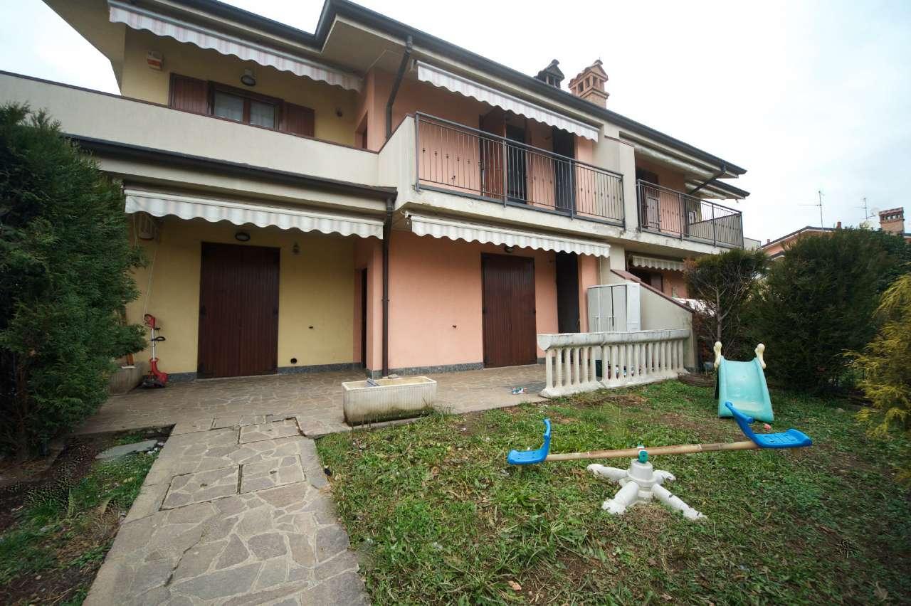 Appartamento in buone condizioni in vendita Rif. 9275530