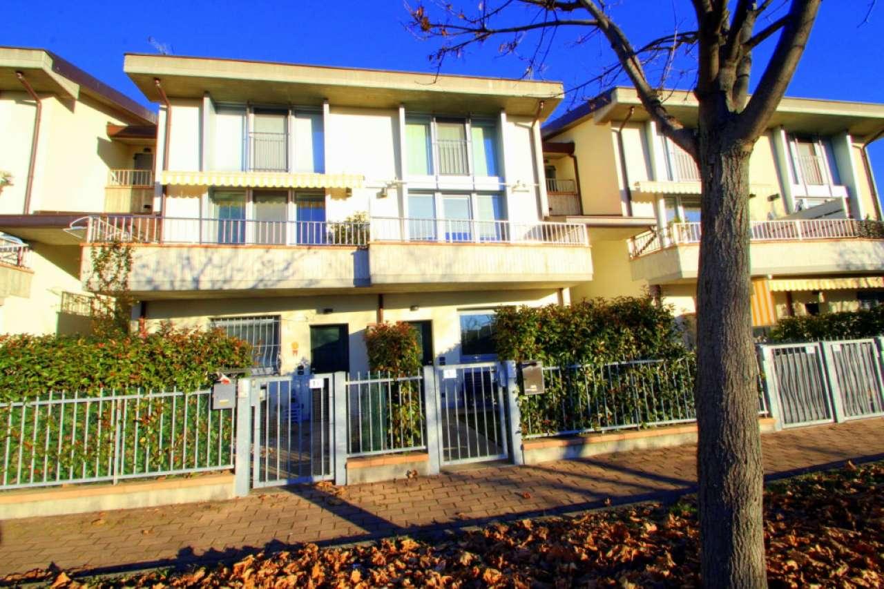 Appartamento in ottime condizioni in vendita Rif. 9365327