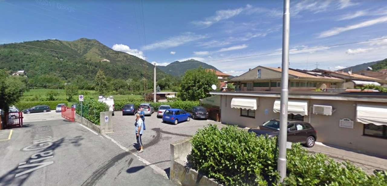 Negozio / Locale in affitto a Pradalunga, 9999 locali, prezzo € 2.000 | CambioCasa.it