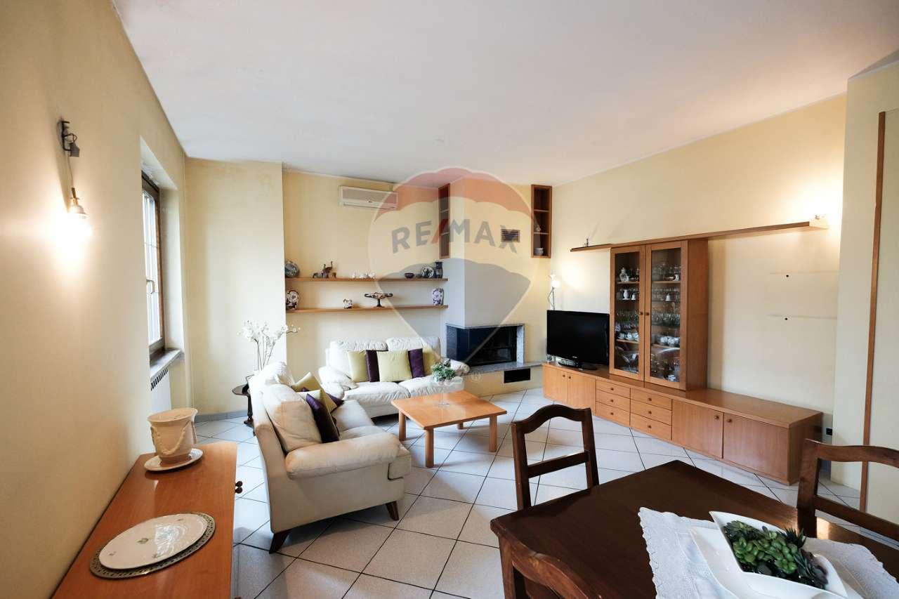 Villa in vendita a Basiano, 9 locali, prezzo € 660.000 | CambioCasa.it