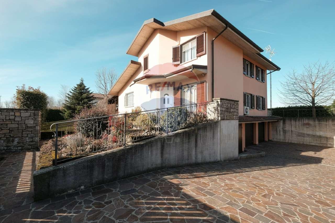 Villa in vendita a Chignolo d'Isola, 6 locali, prezzo € 525.000 | PortaleAgenzieImmobiliari.it