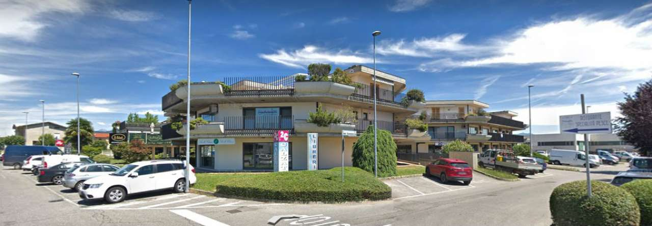 Ufficio / Studio in vendita a Medolago, 2 locali, prezzo € 68.000   CambioCasa.it