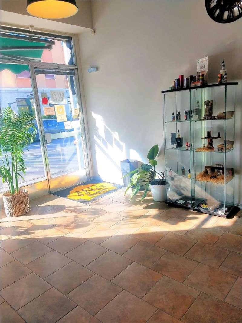 Negozio / Locale in affitto a Bergamo, 2 locali, prezzo € 625 | CambioCasa.it