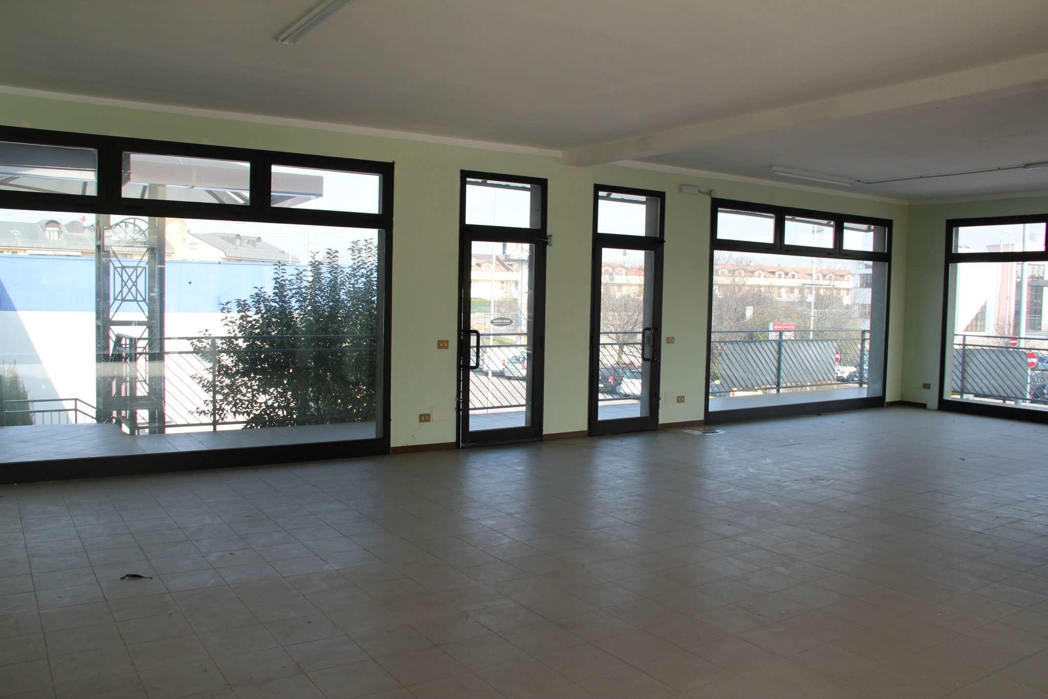 Negozio / Locale in vendita a Trezzano Rosa, 1 locali, prezzo € 75.000 | CambioCasa.it
