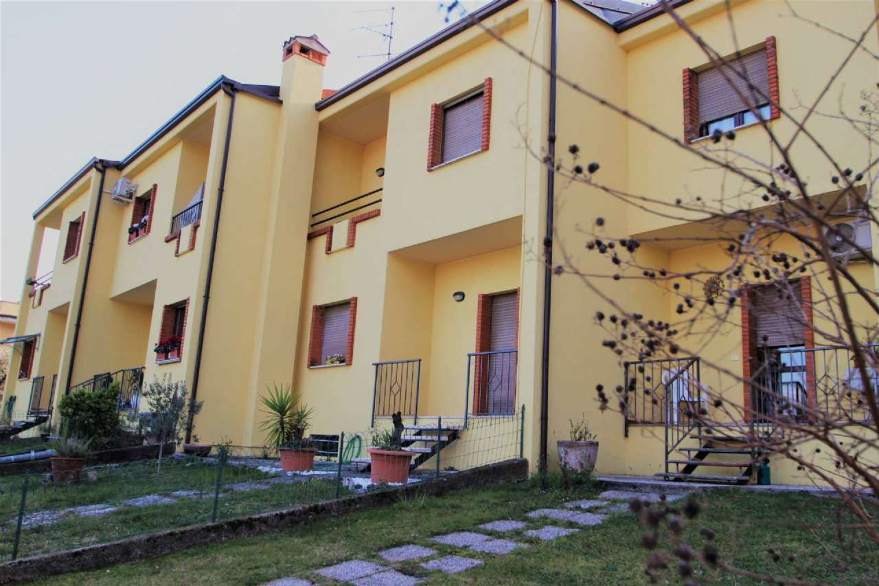 Villa a Schiera in vendita a Toscolano-Maderno, 4 locali, prezzo € 180.000 | PortaleAgenzieImmobiliari.it