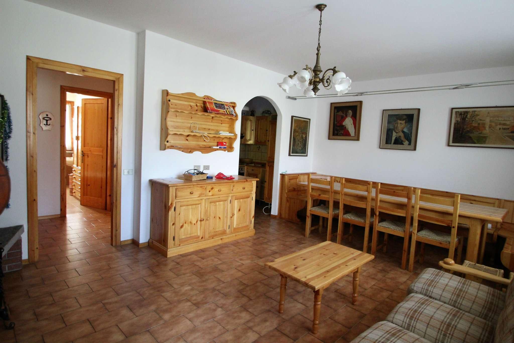 Appartamento in vendita a Olmo al Brembo, 3 locali, prezzo € 58.000 | CambioCasa.it