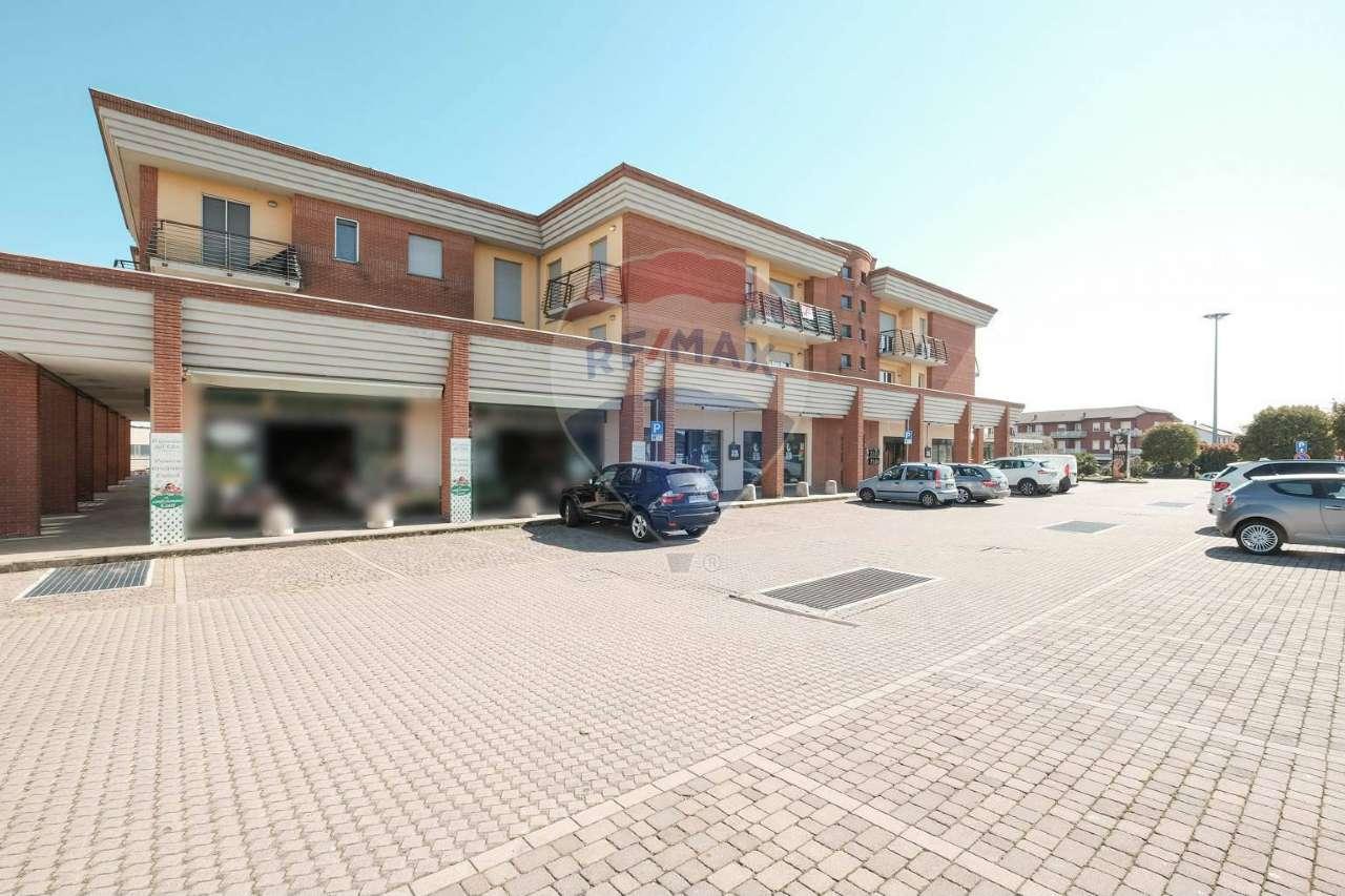 Negozio / Locale in vendita a Calusco d'Adda, 1 locali, prezzo € 145.000 | CambioCasa.it
