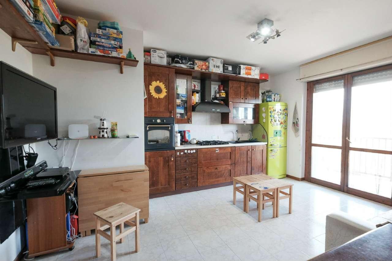 Appartamento in vendita a Trezzano Rosa, 2 locali, prezzo € 83.000 | PortaleAgenzieImmobiliari.it