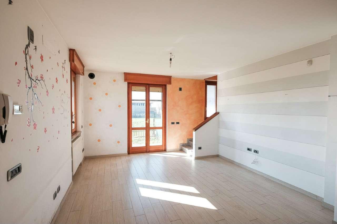 Villa Tri-Quadrifamiliare in vendita a Bonate Sopra, 3 locali, prezzo € 150.000 | PortaleAgenzieImmobiliari.it