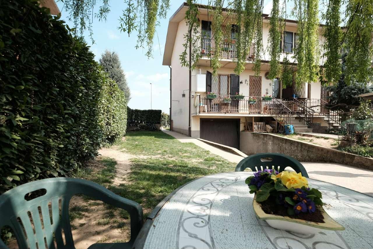 Villa Bifamiliare in vendita a Chignolo d'Isola, 4 locali, prezzo € 190.000 | PortaleAgenzieImmobiliari.it