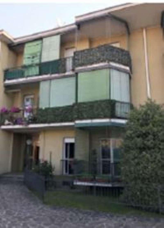 Appartamento in vendita a Calusco d'Adda, 3 locali, prezzo € 55.575 | CambioCasa.it